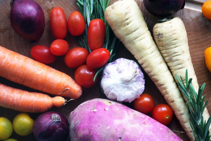 carrots, tomatoes, unions