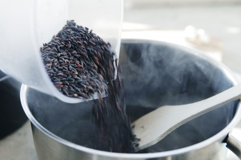Black_rice_paella_08
